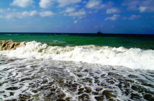 Все эти четыре курортных города - Кемер, Алания, Анталия и Сиде, находятся на средиземном море в Турции