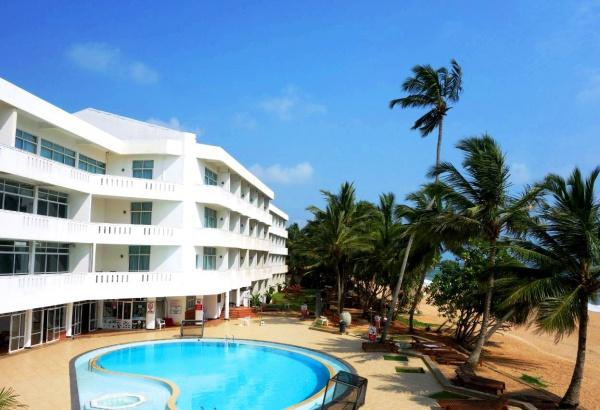 Отель с мини-бассейном на прекрасном побережье курорта Берувела