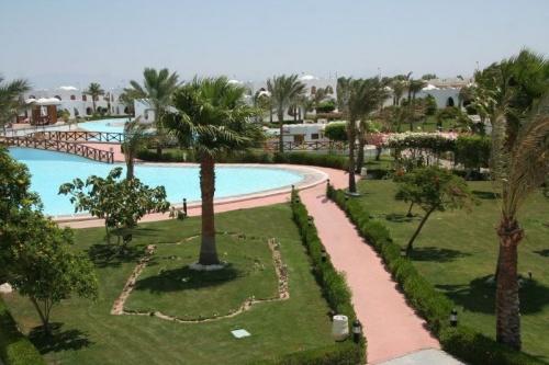 Территория отеля в Дахабе