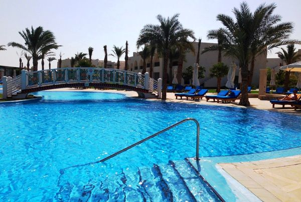 Бассейн пятизвездочного отеля Hilton Marsa Alam Nubian Resort