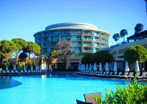 город Белек на средиземном море и один из шикарных отелей