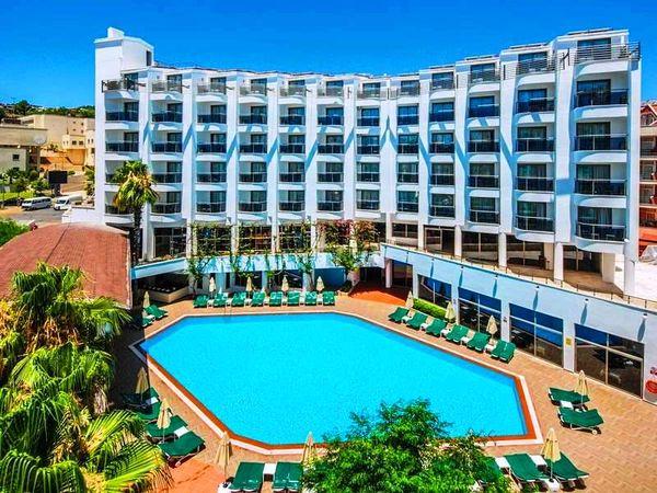 Красочные отели курорта Мармарис