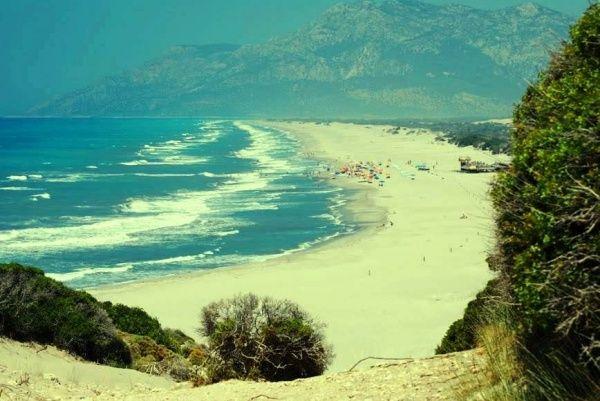 Самый длинный и большой пляж Патара в Анталии в Турции