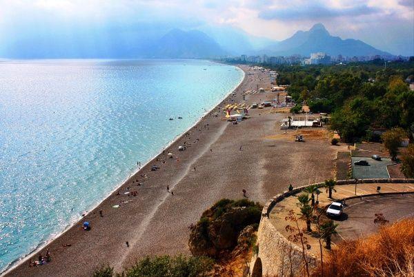 Турция, Галечный пляж Кониалты в Анталии