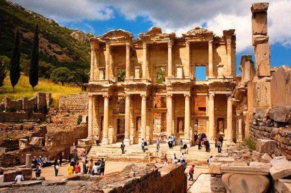 Архитектурый город Сиде и его колонны