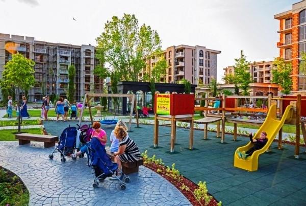 Детская площадка комплекса Каскадас, горки