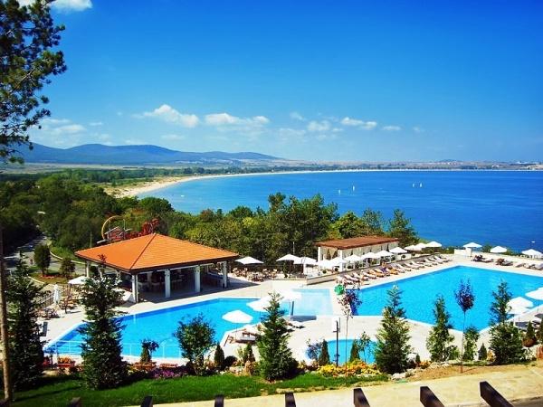 Болгарский рай,- искусственные лагуны, горные вершины и пляжная коса