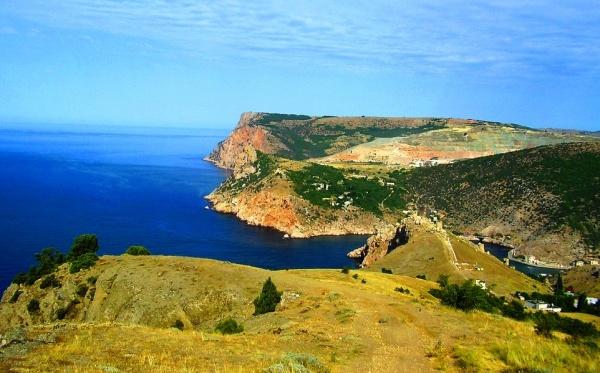 Черное море и горы Крымского полуострова
