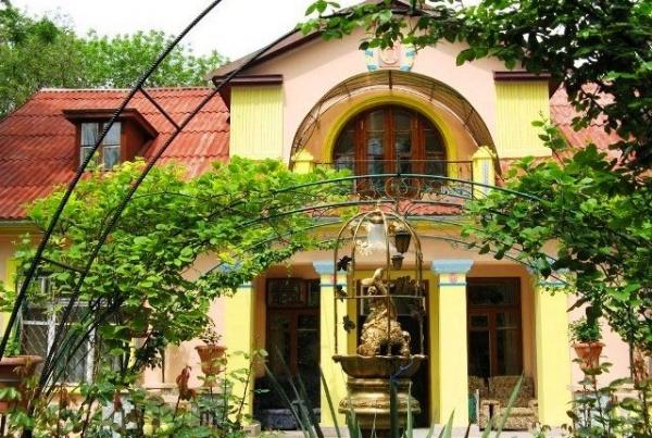 Гостиница «Золотые ворота» города-курорта Коктебель