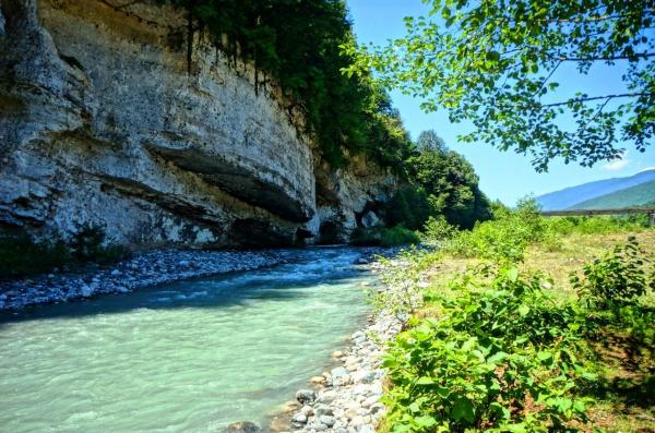 Прекрасные горы и реки Абхазии