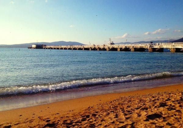 Городской пляж в Геленджике