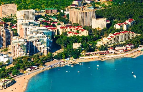 Весь курорт Геленджик и его пляж на ладони