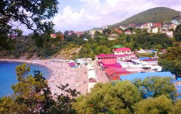 Побережье чёрного моря, уединенное местечко посёлка Бетта