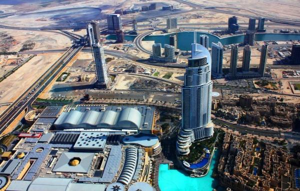 Вид с Бурдж Халифа в Дубае, самого высокого небоскреба в мире