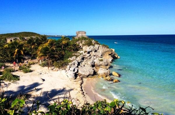 Один из самых чистых пляжей курорта Тулум в Мексике