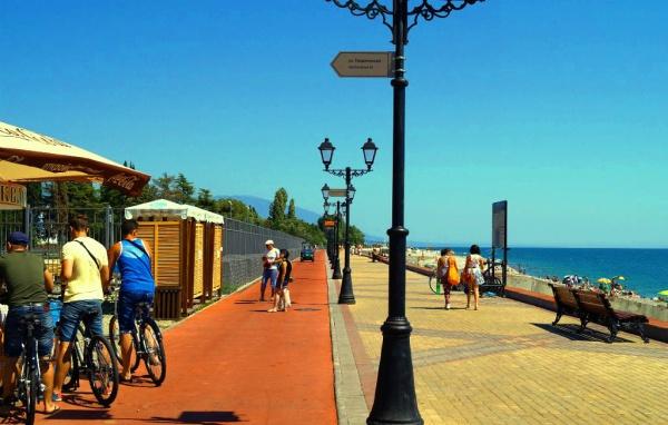 Набережная у Черного моря
