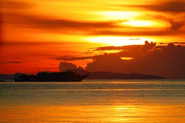 Закат в Натоне, остров Самуи в Тайланде
