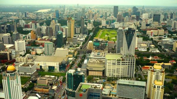 Город Бангкок с самого высокого здания в Тайланде