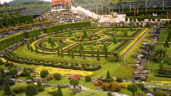 Искусственный парк на острове Патайя
