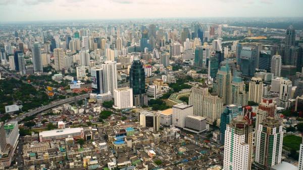 Город Бангкок с крыши высотного здания Байок-Скай