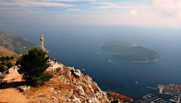Вид на остров Локрум, Дубровник, Южная Далмация