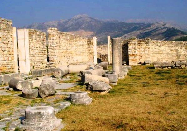 Город античная Салона в Хорватии, остатки сооружений