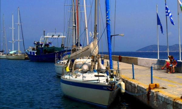 Корабли на прибрежном причале острова Тасос