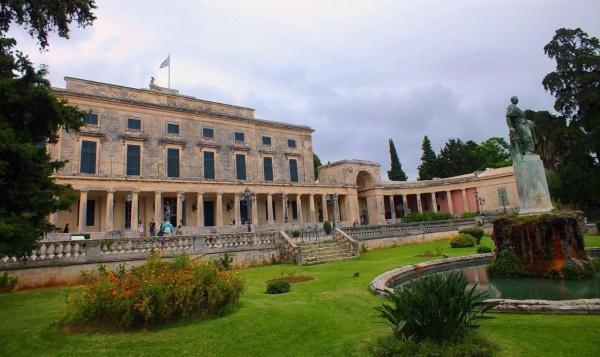 Город Керкура, музей в Корфу