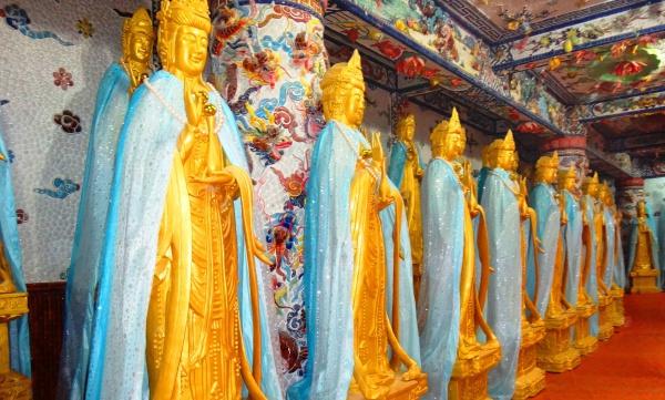 Статуи Золотых Будд