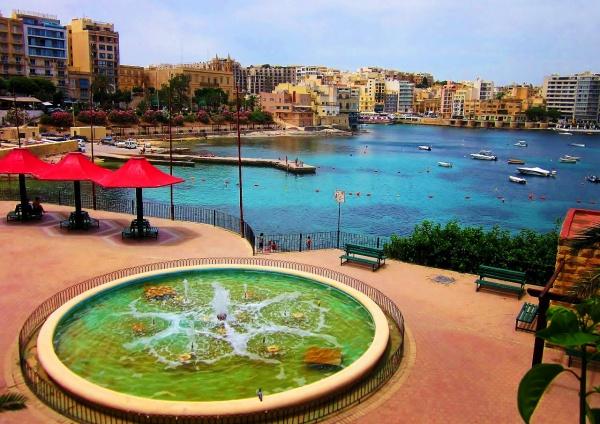Пляж в Сент-Джулиансе, Мальта