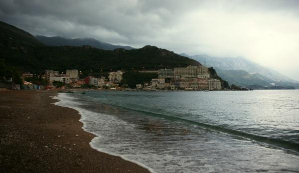 Вечерний пляж Будва, курорт Черногория