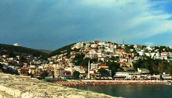 Черногория, около границы с Албанией, город Ульцинь