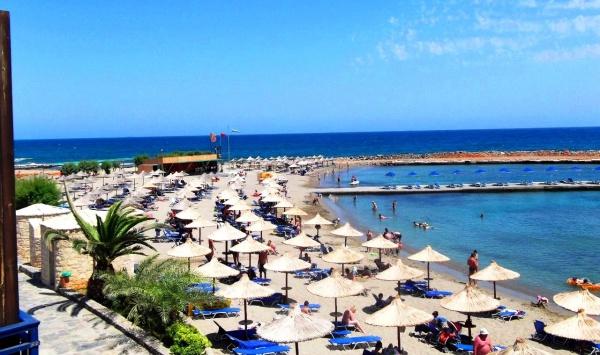 Пляж на острове Крит в Греции
