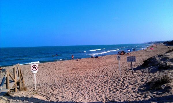 Пляжи в Аликанте - бесконечны. Здесь многие по долгу гуляют вдоль берега