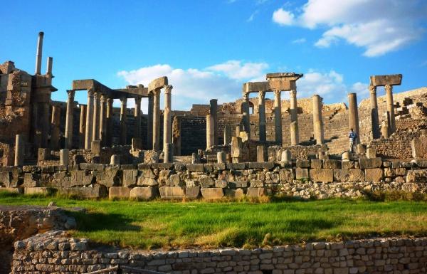 Древний город Дугга, римские руины в Тунисе