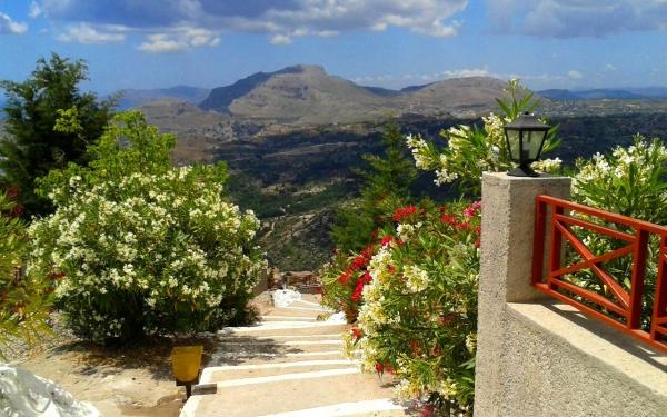 Монастырь Мони Цамбика в Греции на острове Родос в июне