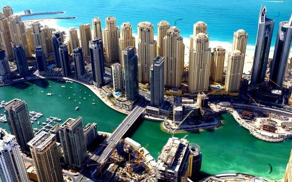 Шикарный пейзаж на небоскребы Дубая