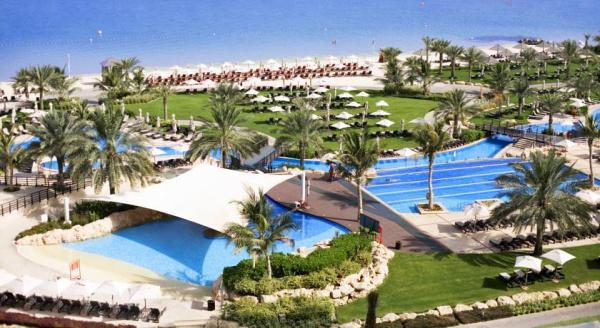 Mina Club - пляжный клуб один из самых больших в Дубае