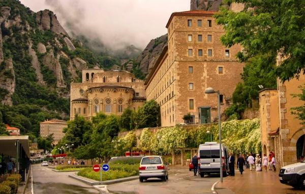 Бенедектинский монастырь Монсеррат в Испании