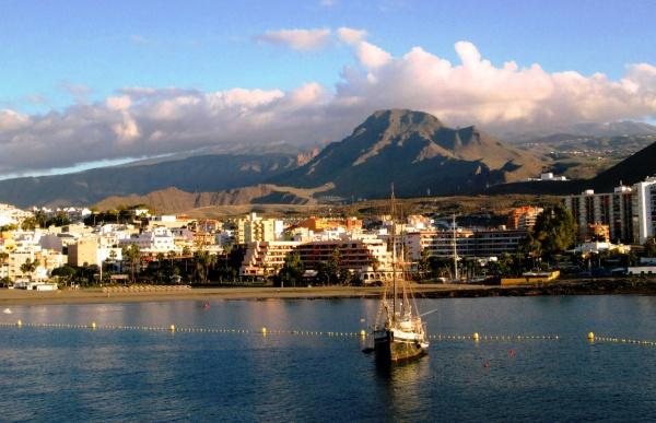 Вид на остров Тенерифе с моря