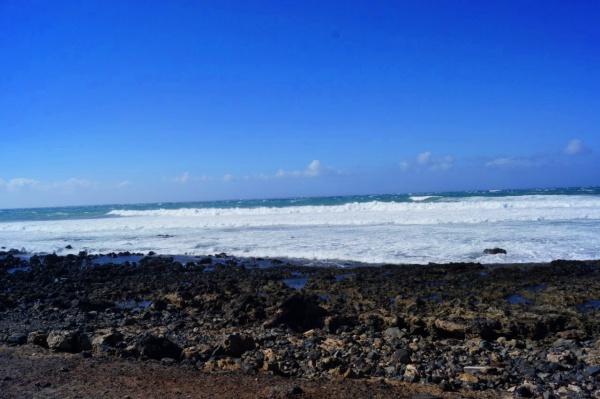 Вулканические пляжи на Тенерифе, остров есть вулкан