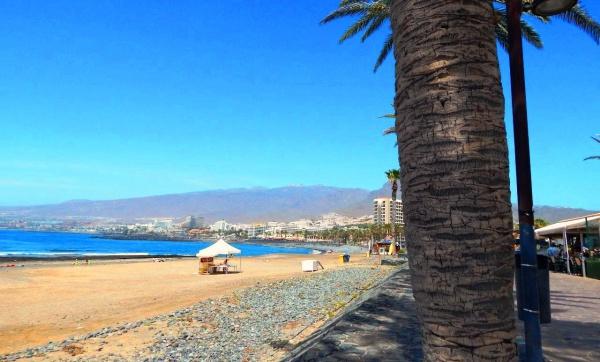 Один из многочисленных пляжей Тенерифе вдоль побережья Атлантического океана