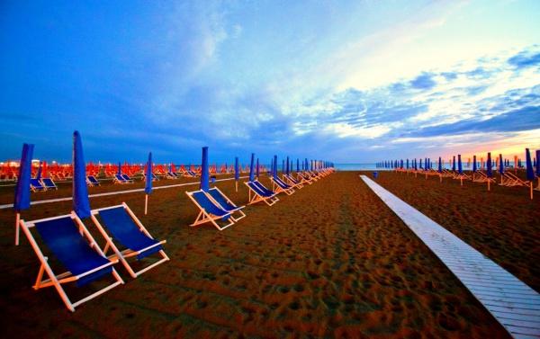 Чистые и классные пляжи Виареджо, США
