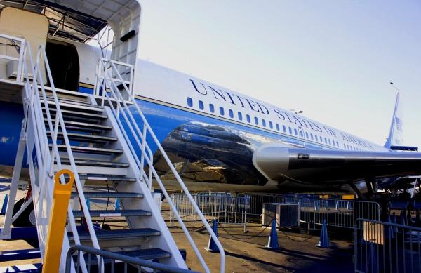 Самолет в аэропорте Кеннеди, Америка