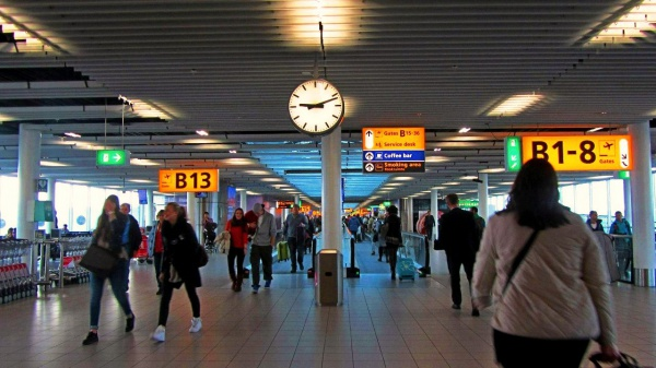 Единственный аэропорт Схипхол в Амстердаме