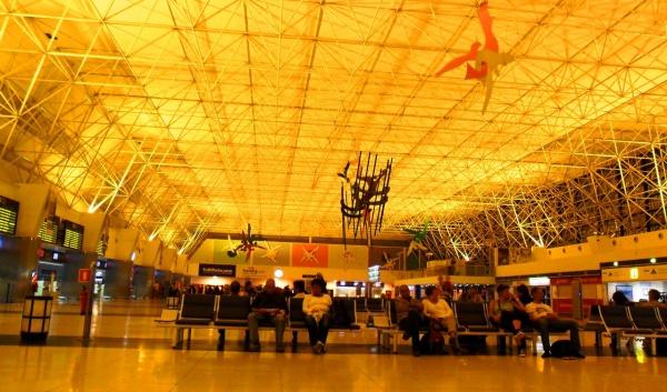 Пространство аэропорта Гран Канария на Канарских островах