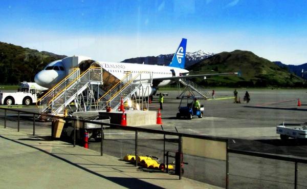 Подготовка самолета к полету из Сиднея (Австралия) до Квинстона (Новая Зеландия)