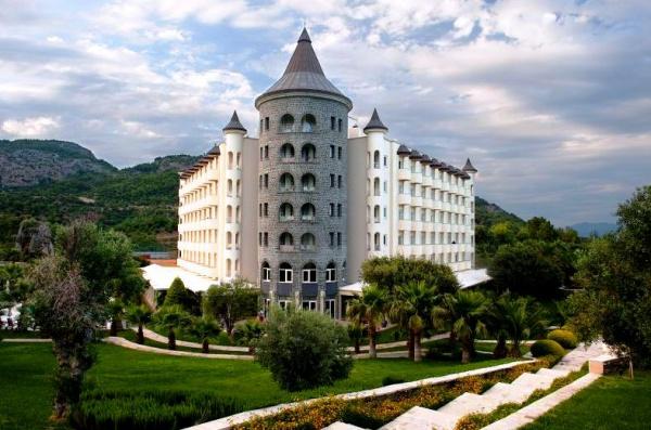 Замок-отель на курорте Даламан, Турция