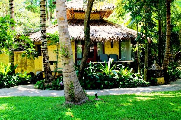 Гостиница Centara Koh Chang Tropicana Resort Spa подходит для компании друзей или семей