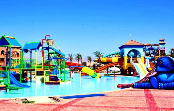 Отличный отель Sea Club Aquapark для детей, с водными аттракционами